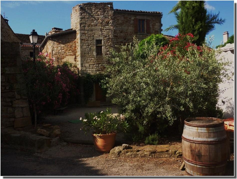 VINEZAC ( petit village d'Ardèche)
