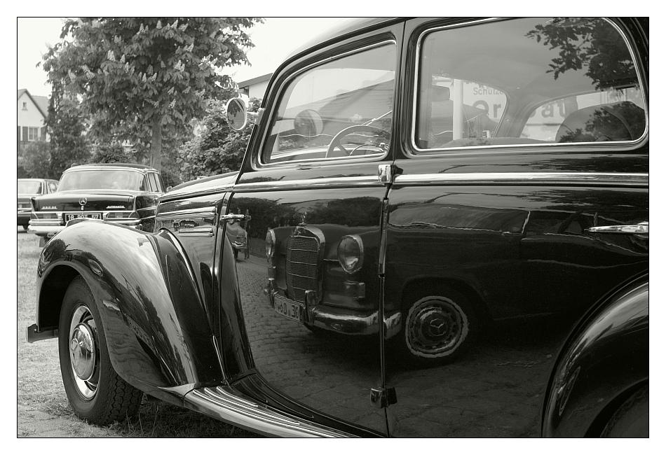 Vintage Car(s)