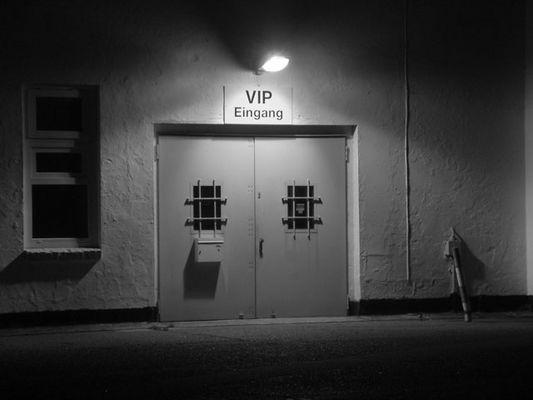 V.I.P. Eingang