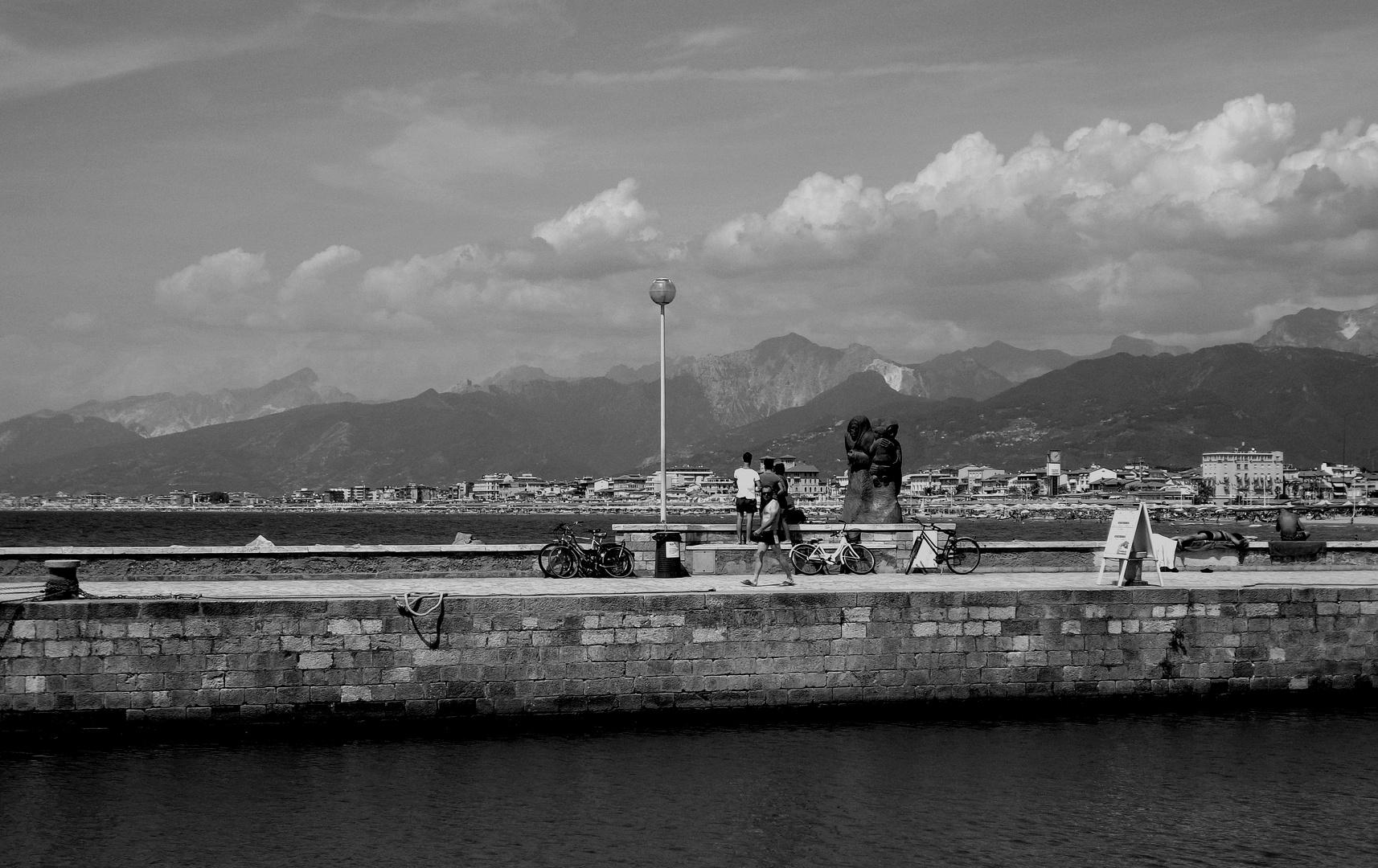 Vista dal Molo di Viareggio