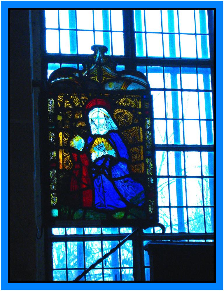 vitrail de l'abbaye de Roymont.