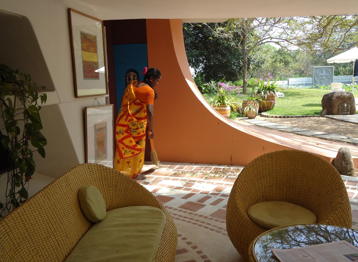 Vivre dehors dedans ! ... Tout un art chez les Aurovilliens !