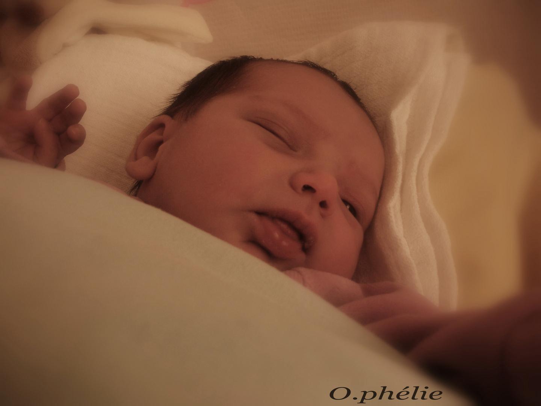 Vivre la naissance d'un enfant est notre chance la plus accessible de saisir le sens du mot miracle.
