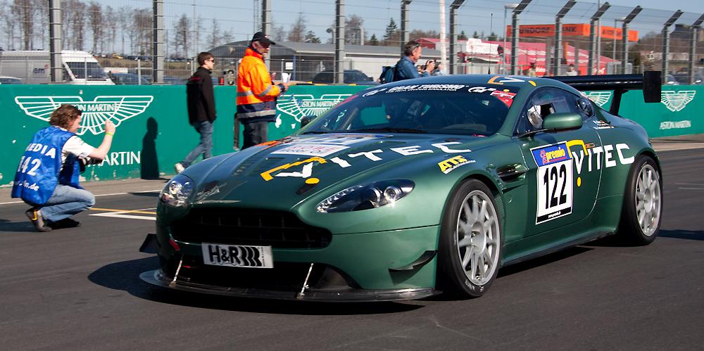 VLN 02.04.11, Ein Aston Martin