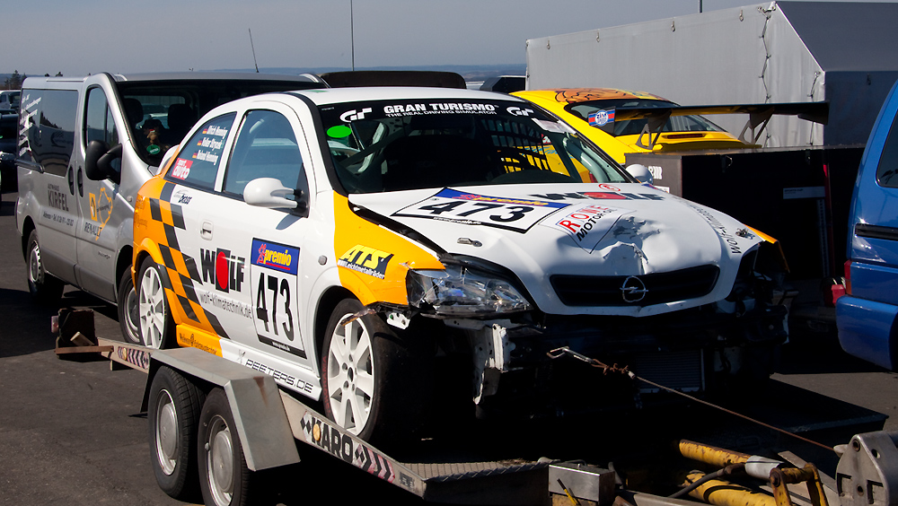 VLN-02.04.2011, Ein Opel weniger