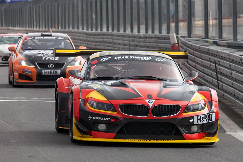 VLN 13.04.13, BMW Z4 bei der Boxeneinfahrt