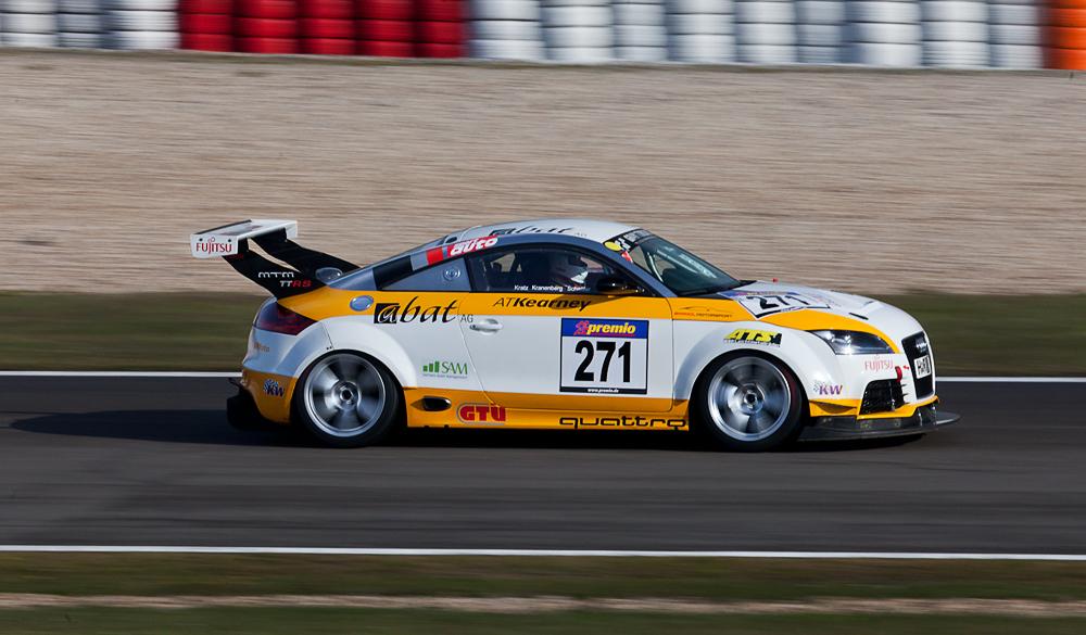 VLN, 28.04.12, Audi im Tiefflug..