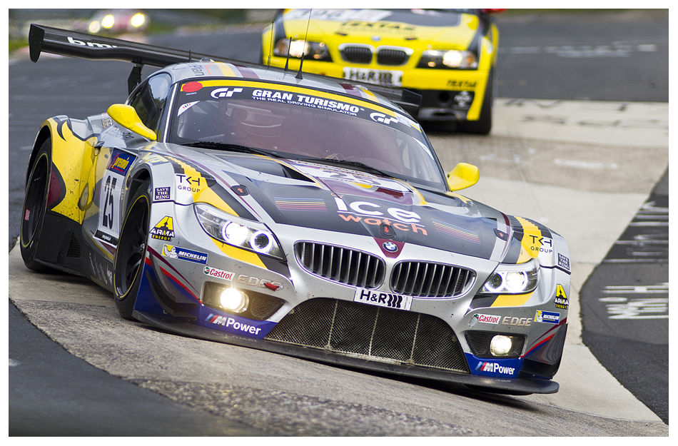 VLN8: BMW Z4 im Karussel