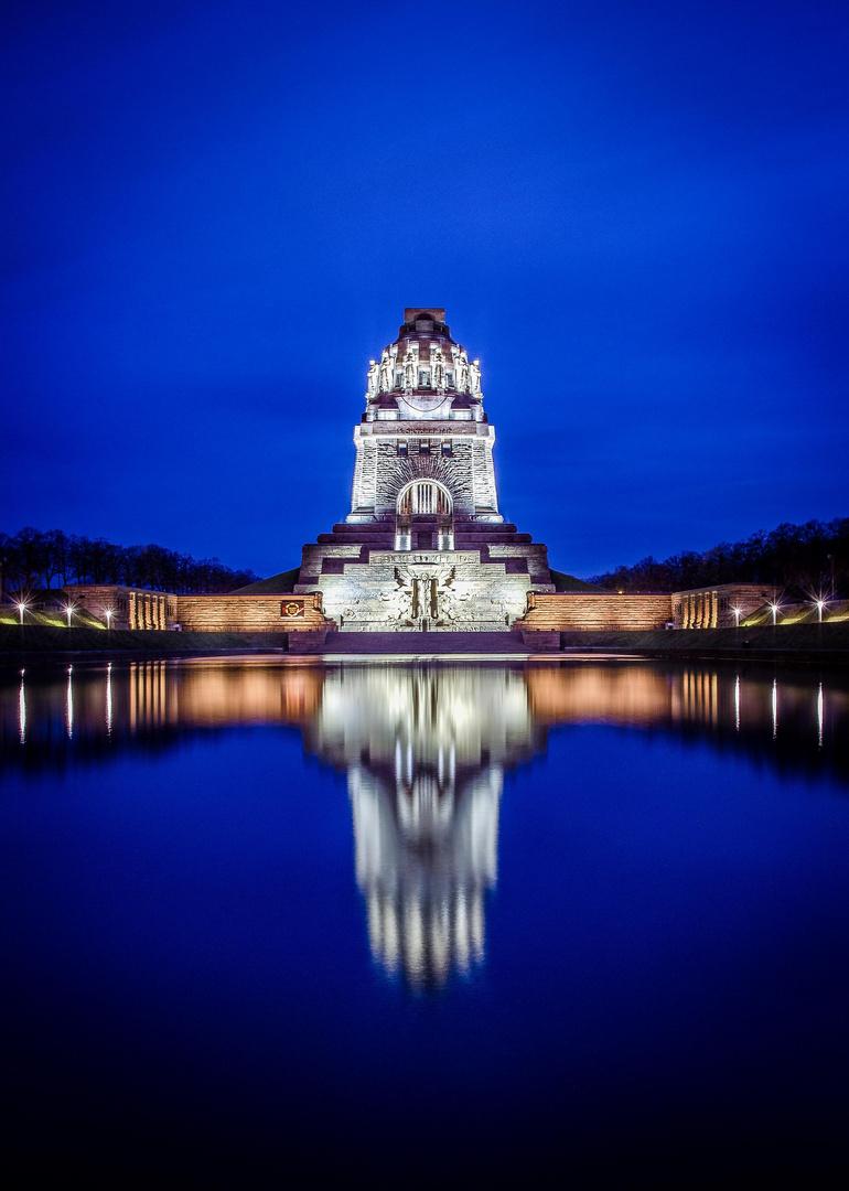 Völkerschlachtdenkmal zur Blauen Stunde