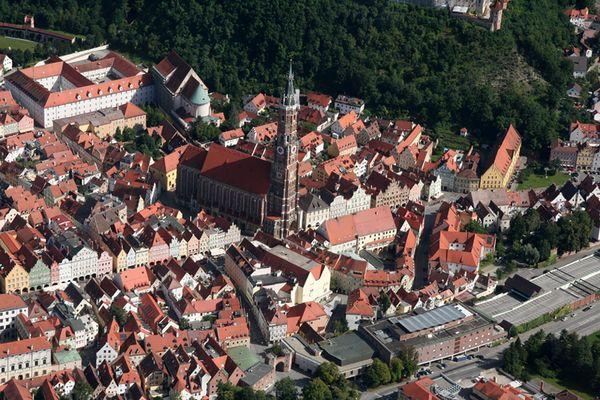 Vogelperspektive - Landshut Martinskirche