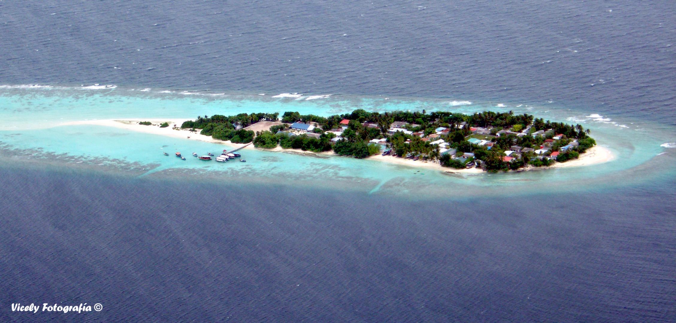 Volando por encima de Maldivas