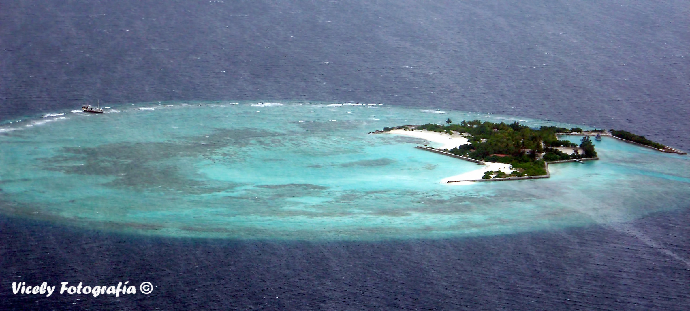 Volando por encima de Maldivas2
