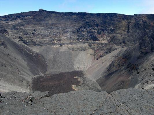 volcan au fond du cratère