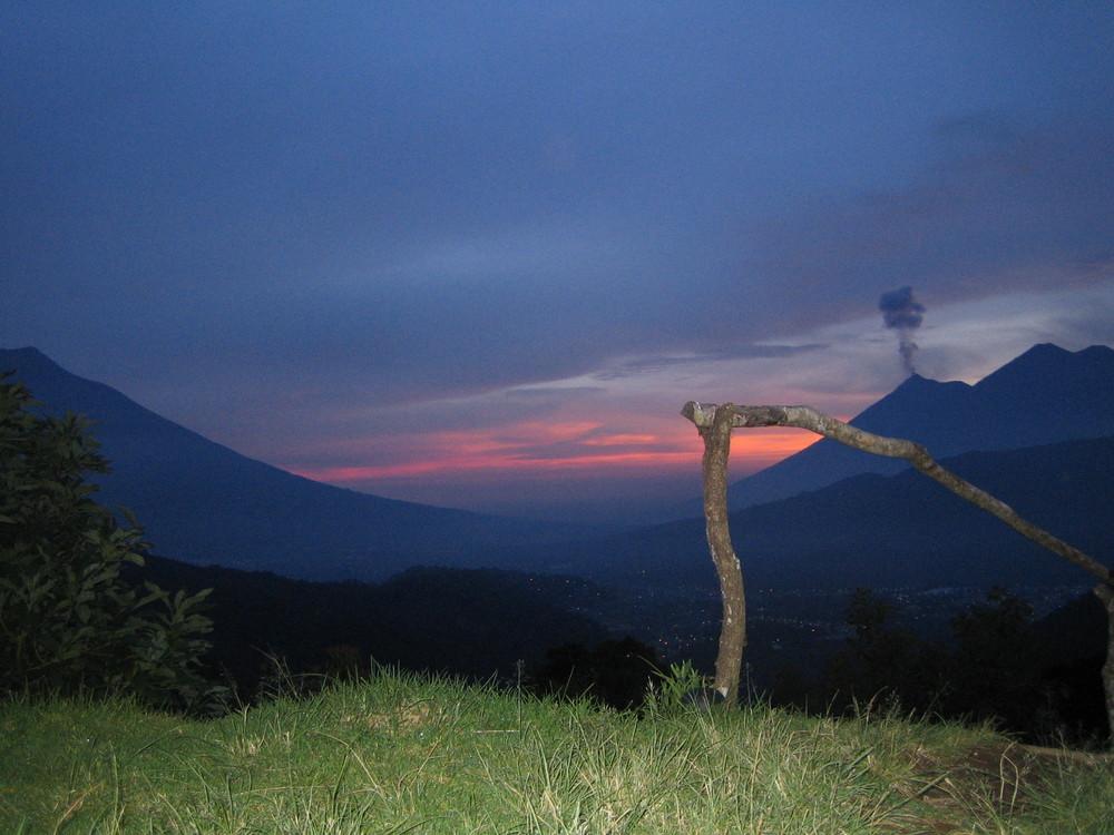Volcan Fuego active