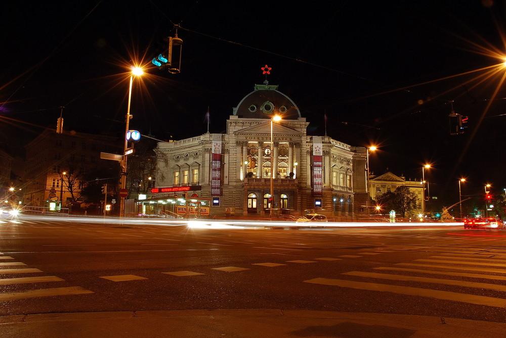 Volkstheater Wien bei Nacht