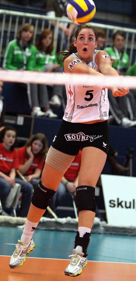 Volleyball verursacht große Augen und Münder:-)