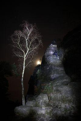 Vollmond an der Lichterhöhle mit Mondsüchtigem