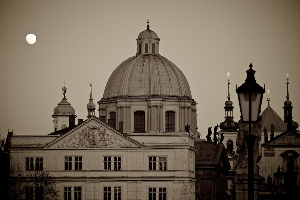 Vollmond über Prag