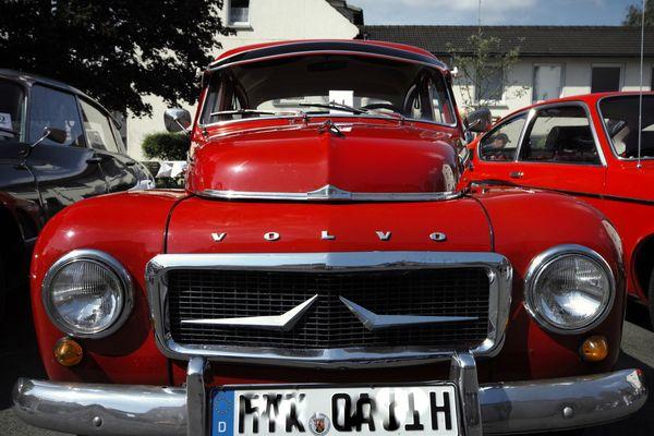 Volvo in Rot
