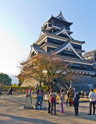 Vom Erdbeben zerstört. Schloss in Kumamoto