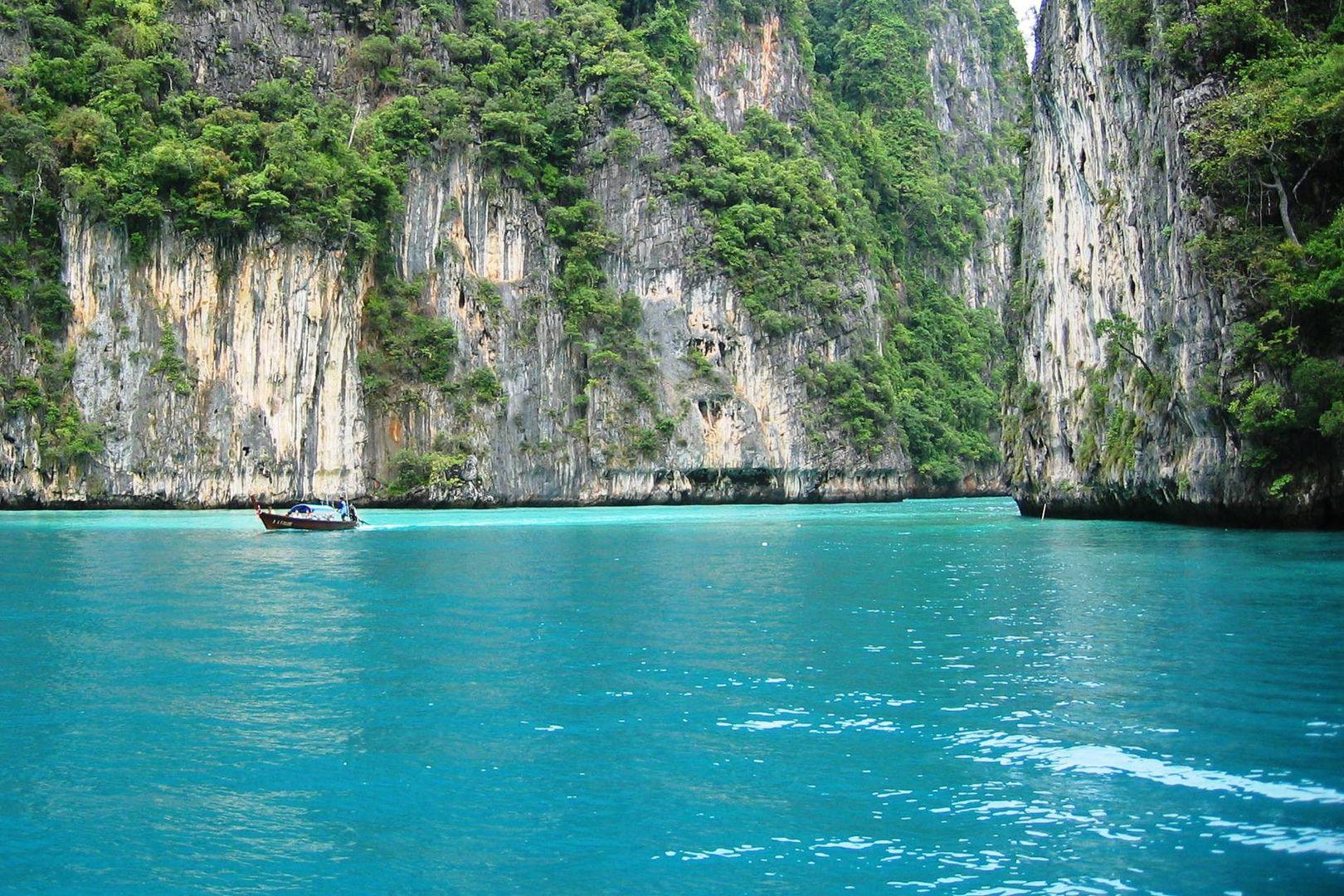 Vom Meer in die Bucht Phi Phi