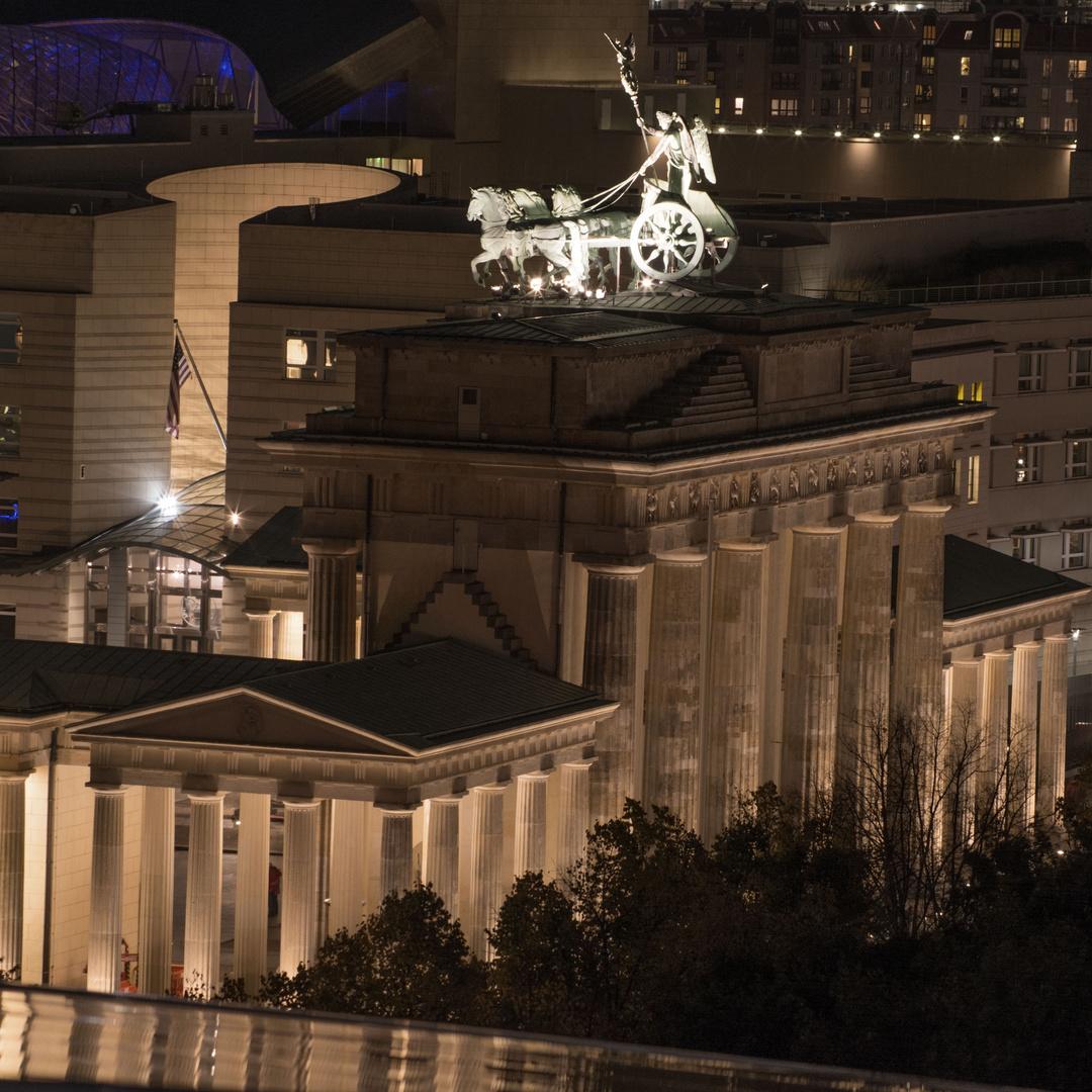 Vom Reichstag mit Blick auf's Brandenburger Tor