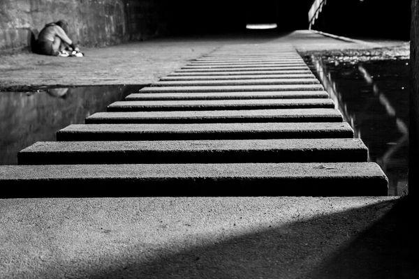 vom Weg abgekommen - Licht am Ende des Tunnels