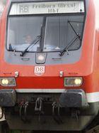 Von Angesicht zu Angesicht . DB - Lok mit Lokführer nach Freiburg unterwegs