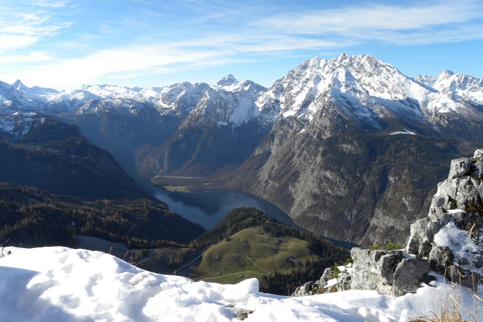 .. von Bergen umgeben ...