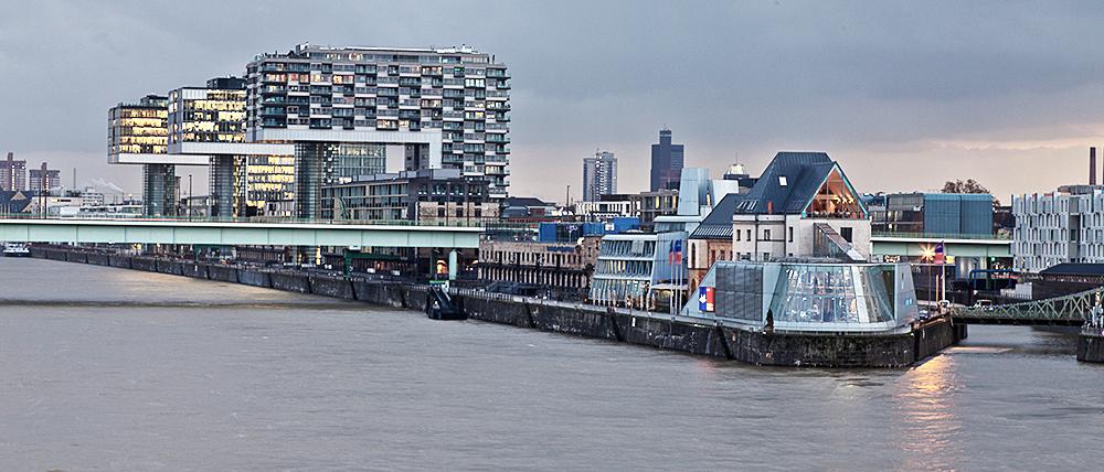 von der Deutzer Brücke in Köln