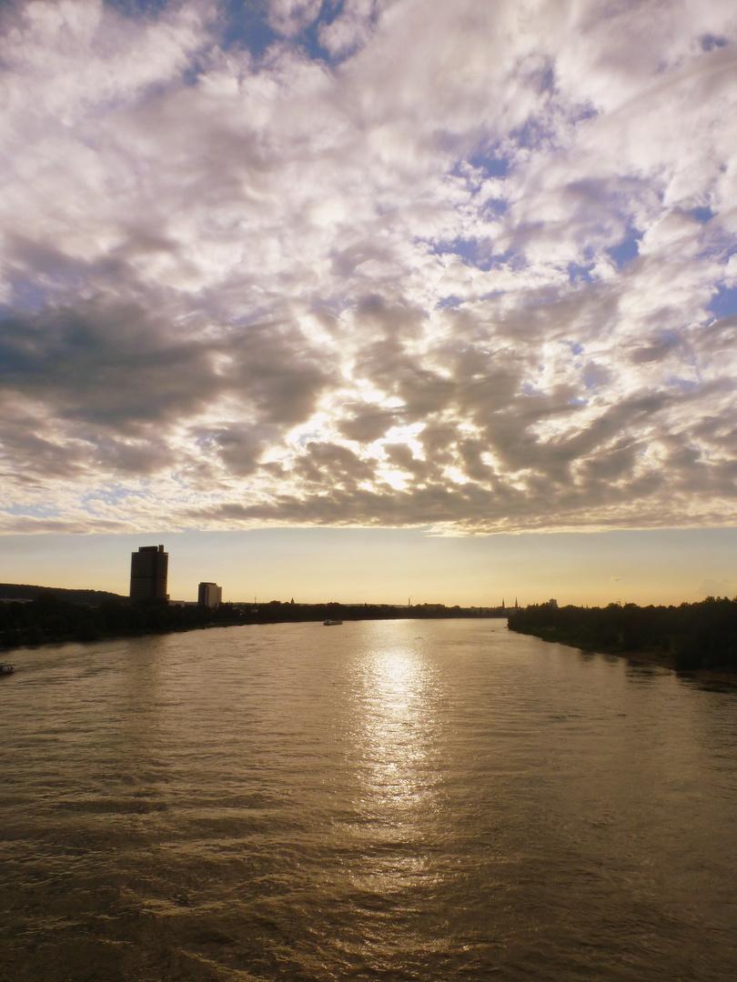 von der Rheinbrücke