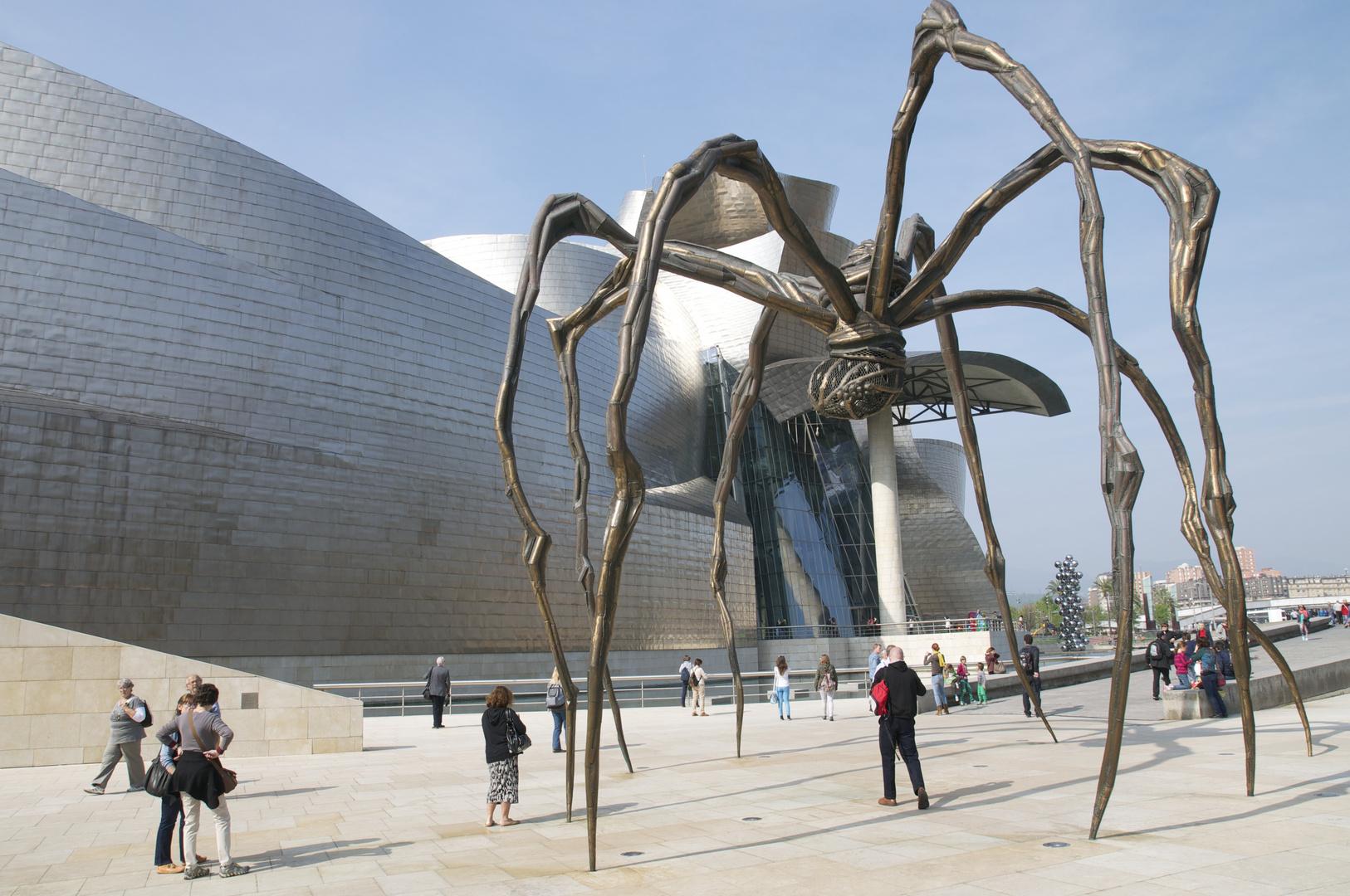 vor dem Guggenheim, Bilbao