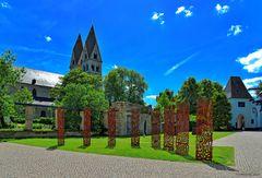 Vor dem Ludwigmuseum