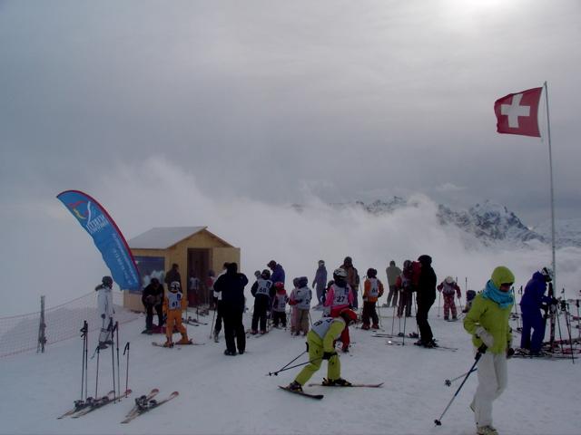 Vor dem Skirennen im Nebel