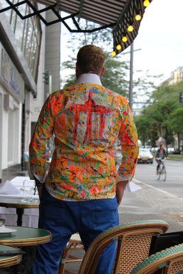vor der ParisBar Berlin Kevin Textil handmade by Wunderlich