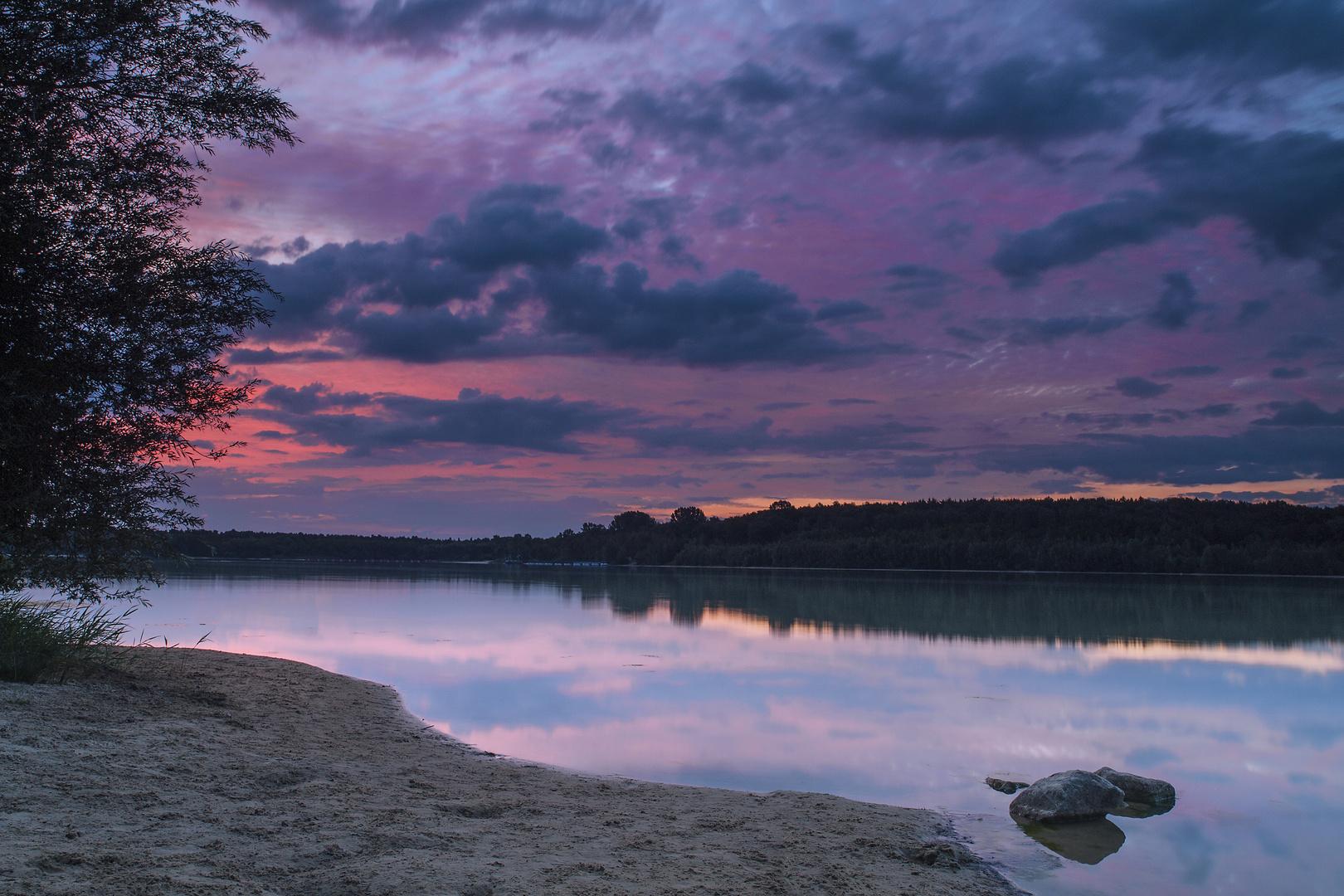 Vor Sonnenaufgang am Baggersee
