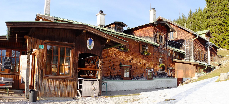 Vorderkaiserfeldenhütte 1388m
