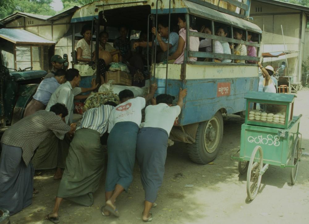 Vorort-Bus