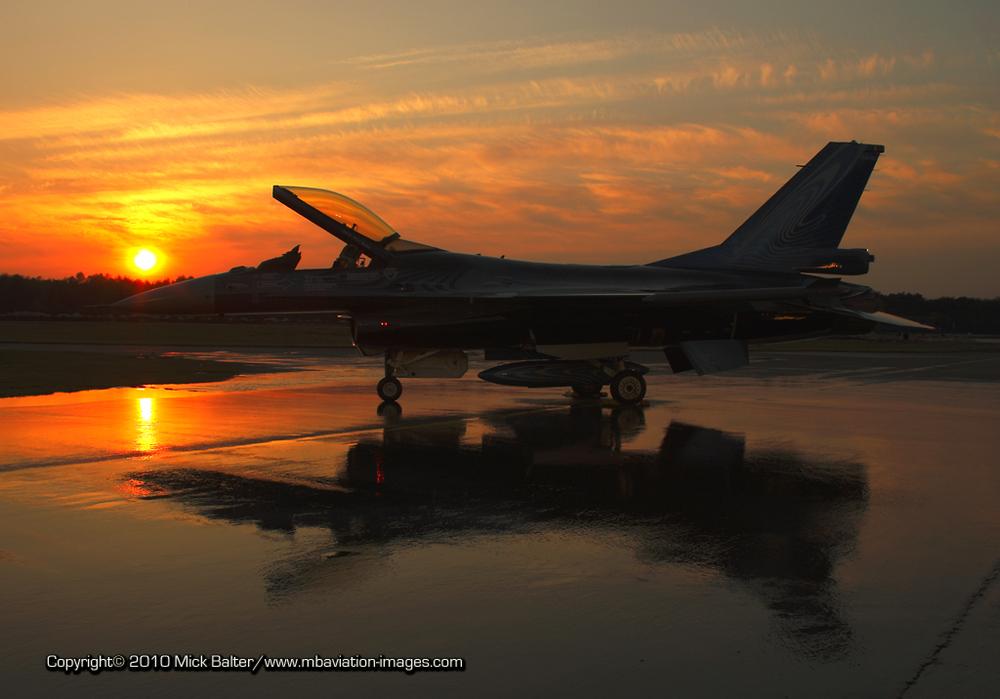 *** VORTEX Sunset.... F-16 Demo Team - Kleine Brogel ***