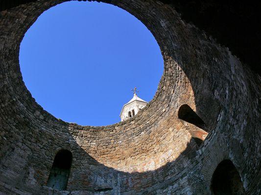 Vue a la cathedrale ... Blick auf die Kathedrale ...