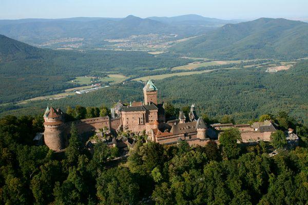 Vue aérienne château du haut koegnisbourg