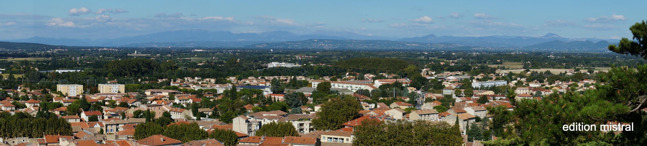 vue d`Orange vers le Mont Ventoux Blick von Orange Richtung Mont Ventoux