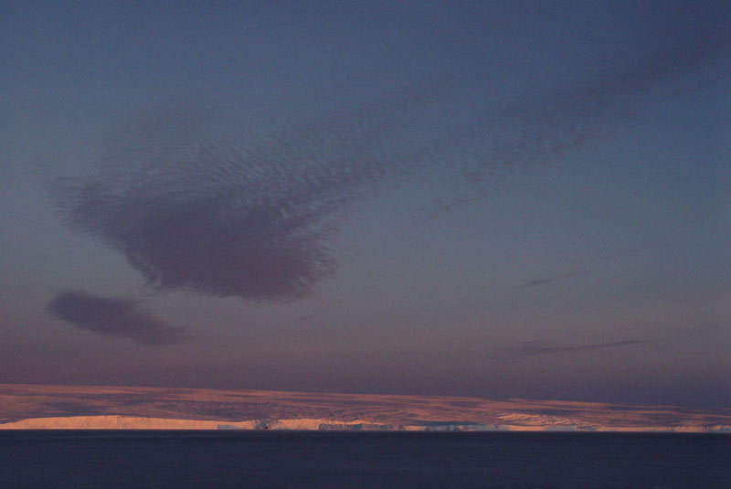 vue panoramique sur le continent Antarctique