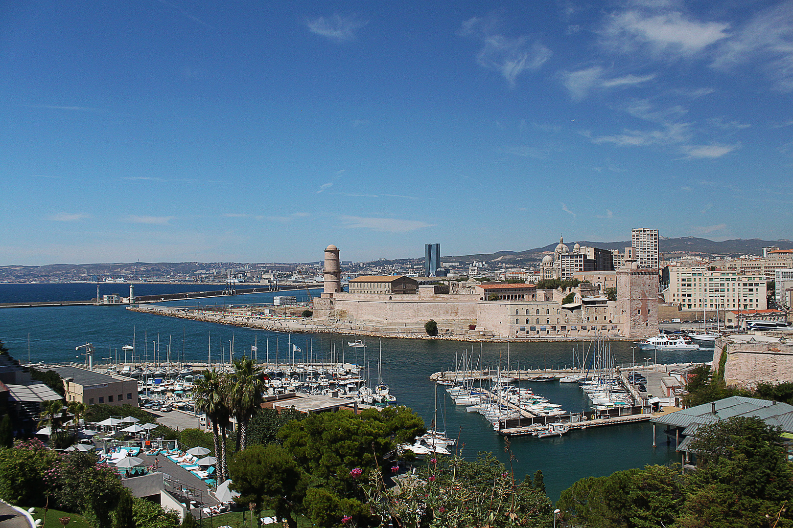 Vue sur le fort de saint jean a Marseille