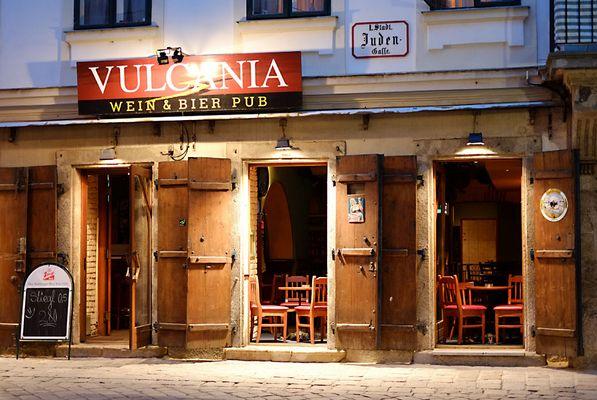 Vulcania - Wein und Bier Pub