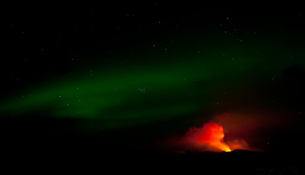 Vulkan und Nordlichter