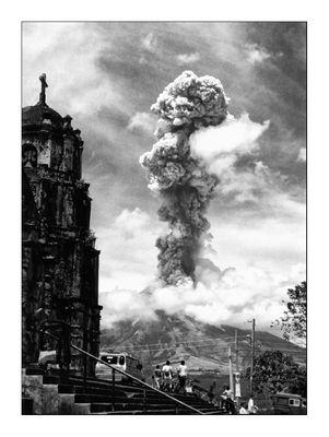 Vulkanausbruch Mayon Februar 2000