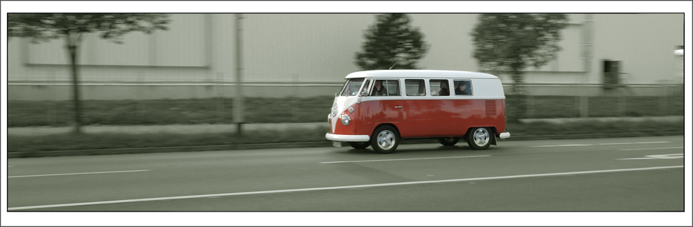 VW Bustreffen Hannover ( T1 bei der Anfahrt)