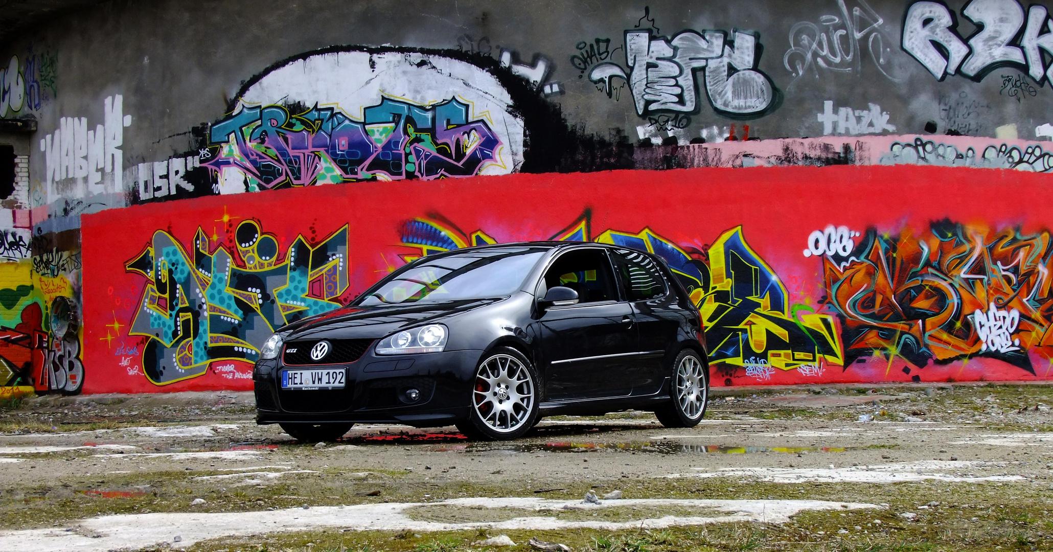 VW GTI V Edition 30 Alsen IZ