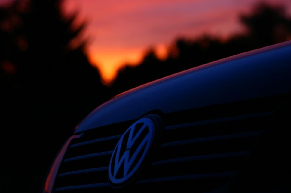 VW @ night